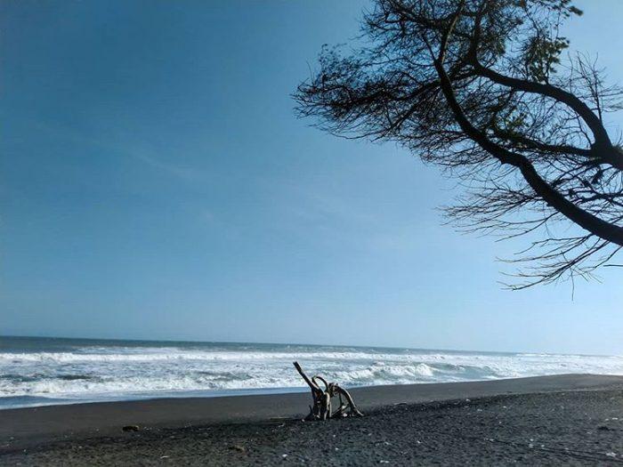 Pantai Goa Cemara Bantul Yogyakarta, sumber ig @vandikp