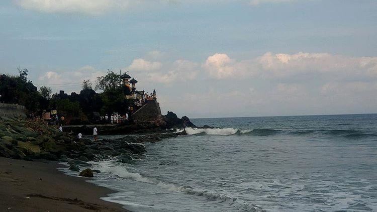 Informasi Menarik Tentang Pura Batu Bolong Lombok